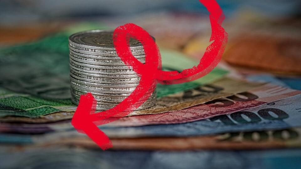 استمرار تراجع أسعار العملات مُقابل الدينار الليبي لليوم الثالث على التوالي
