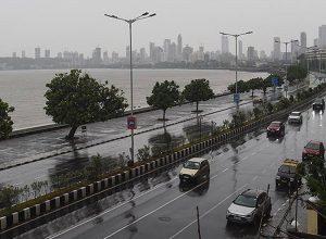 الهند.. مومباي تترقّبُ إعصاراً قوياً وخلو للشوارع