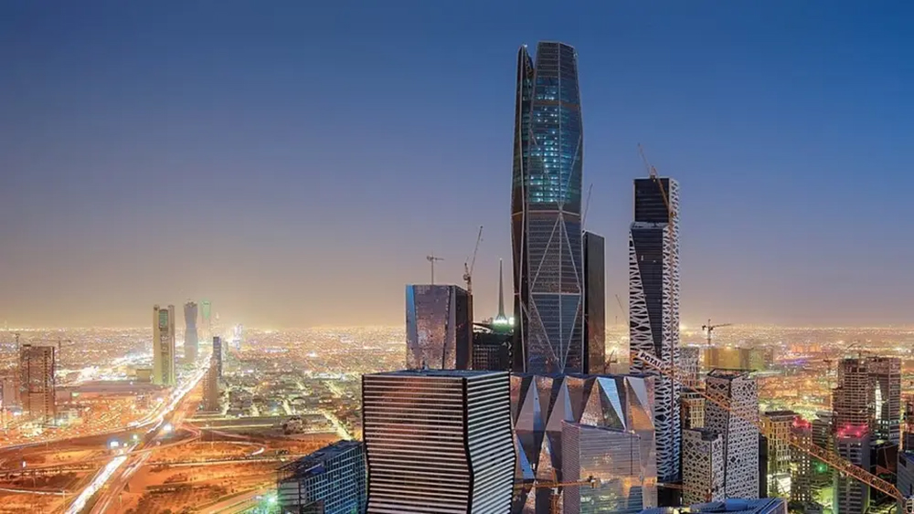 الاقتصاد السعودي يخسر 12 مليار دولار