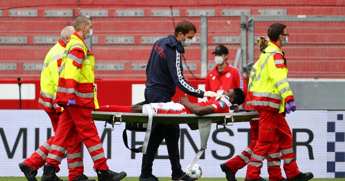 ضربة «قوية في الرأس» تصيّب لاعب ليفربول بارتجاج  في المخ