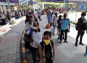 الهند.. فيروس كورونا يلامس 10 آلاف إصابة يومية