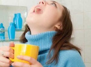 دراسة: الغرغرة بالماء والملح فعالة كعلاج لمرضى كورونا