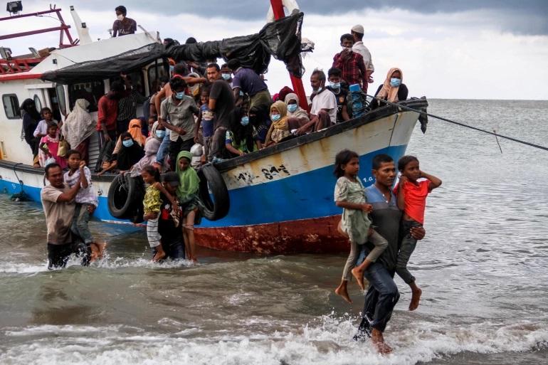 العثور على 26 لاجئا على قيد الحياة بعد الشكوك بمصرعهم