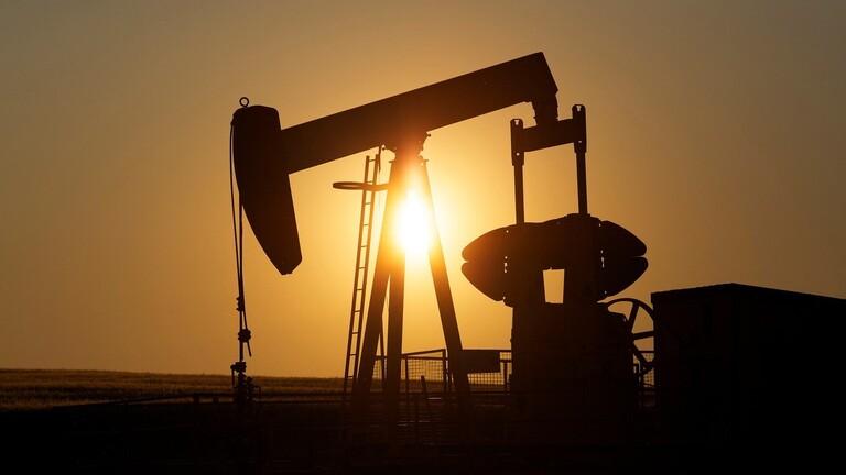 تراجع أسعار النفط بشأن تصاعد التوتر بين أمريكا والصين
