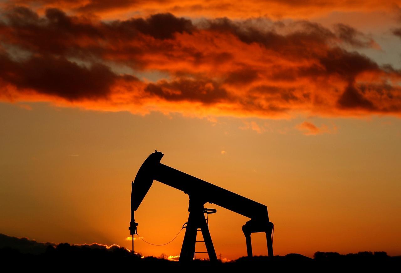 إرتفاع أسعار النفط مع تراجع المخزونات الأميركية