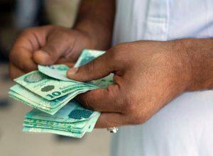 أسعار العملات الأجنبية تعود للارتفاع بشكل طفيف في السوق الموازي