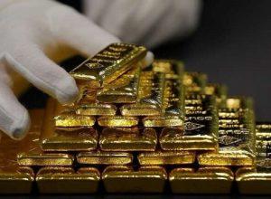 الذهب يستقر ويسجل مستوى قياسي