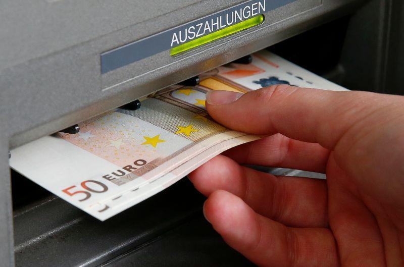 توقعات بإرتفاع اليورو أمام الدولار