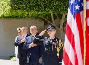 السفير الأمريكي يبحث في أنقرة العودة إلى الحوار السياسي