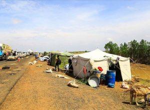 السودان.. بسبب السيول عشرات الأسر بدون مأوي علي قارعة الطريق