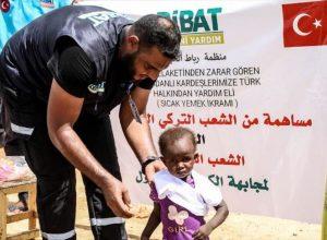 مساعدات مُنظمة «الرباط» التركية  للأسر المتضررة بالسودان