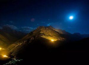 سويسرا.. جبال الألب تتزين بلون الكهرمان