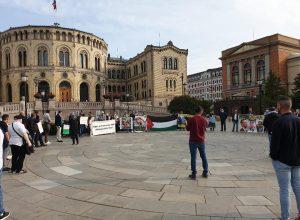 وقفة احتجاجية أمام البرلمان النرويجي رفضاً لاتفاقيات التطبيع