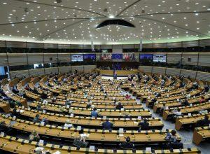 البرلمان الأوروبي يمنع بيع الأسلحة للسعودية والإمارات