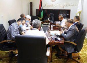 استمرار المناقشات حول إجراء الاستفتاء على الدستور