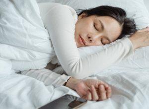 لمحاربة الأرق.. شاي «عُشبي» يُنصح بشربه قبل النوم