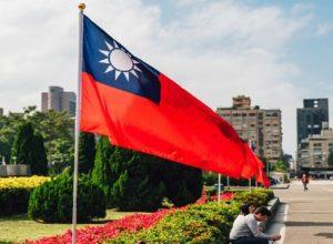 وزير الدفاع التايواني: لا مؤشرات على استعداد الصين للحرب
