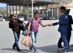 احتجاج على سوء معاملة المواطنين الليبيين في المنافذ التونسية