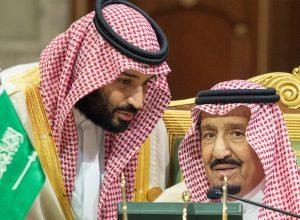 وول ستريت جورنال: العاهل السعودي يُعارض رغبة ولي العهد في التطبيع