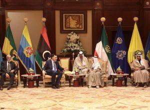 رئيس المجلس الرئاسي يُعزي بوفاة أمير الكويت