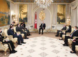 إيجاد حل للأزمة الليبية.. أهم محاور لقاء رئيس تونس بوزير الدفاع الأمريكي