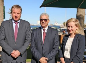 «باشاغا» يُهنئ السفير الهولندي بعودة سفارة بلاده للعمل من طرابلس