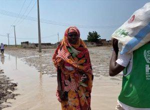 الإغاثة التركية تمدّ يد العون لمُتضرري الفيضانات بالسودان