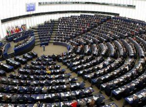 احتجاجاً على سياسة الاتحاد النقدية.. برلماني أوروبي يُضرب عن الطعام