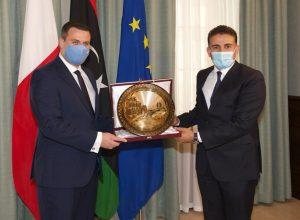 وزير الدفاع يبحث في مالطا تعزيز آفاق التعاون في مختلف المجالات