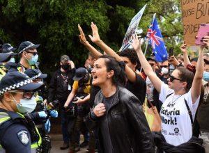 تظاهرات مُناهظة للإغلاق بمدينة ملبورن الأسترالية بسبب كورونا