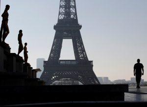 فرنسا.. الاعتداء على سيدتين مسلمتين في باريس