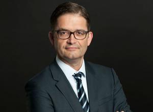 السفير الألماني يدعو لاغتنام فرصة محادثات لجنة 5+5