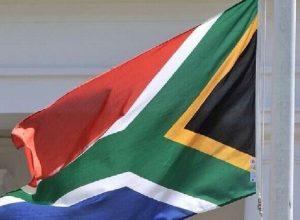 جنوب إفريقيا.. إصابة «وزير الصحة»  بفيروس كورونا