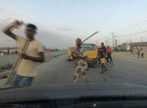 نيجيريا.. عصابات مسلحة تُغلق شوارع لاغوس