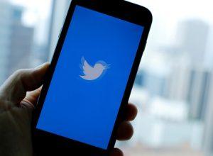 «تويتر» تحذف 130 حساباً بسبب مناظرة ترامب وبايدن
