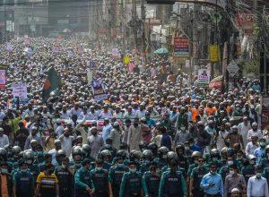 عشرات الآلاف يتظاهرون في بنغلاديش ضد فرنسا
