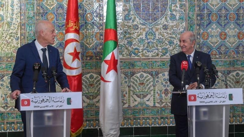 «تبون» يُؤكد وقوف بلاده إلى جانب تونس لإنجاح الحوار السياسي الليبي