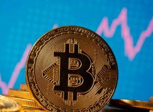 «بيتكوين» تكسر حاجز 19000 دولاراً لأول مرة مُنذ ديسمبر 2017