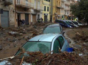 إيطاليا.. مقتل 3 على الأقل في فيضانات بجزيرة سردينيh