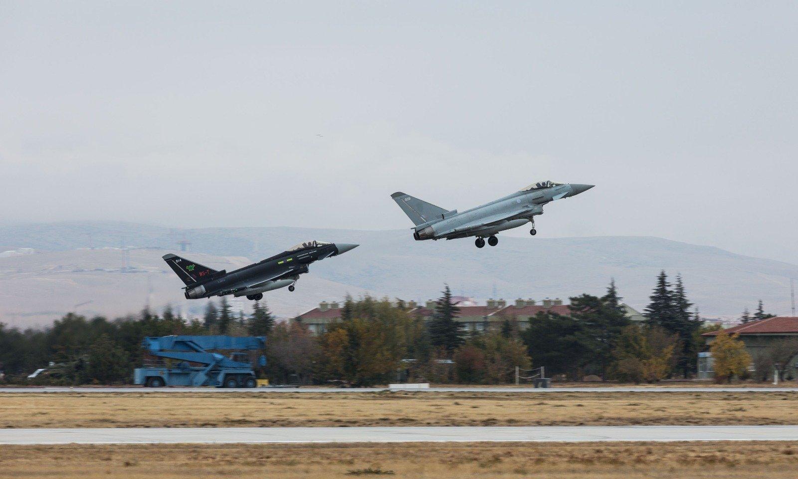 طائرات تركية وبريطانية تُجري تدريبات في قونية