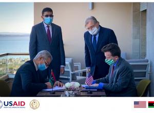 السفارة الأمريكية ومالية «الوفاق» تُسلطان الضوء على جهود تعزيز الشفافية