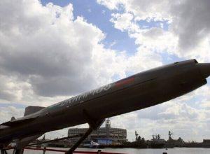 الهند.. البحرية تختبر بنجاح صاروخ «براموس»