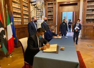 دفاع «الوفاق» تُوقع اتفاقية تعاون عسكري مع إيطاليا