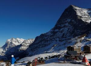 سويسرا.. مصرع 3 أشخاص بسبب انهيارات ثلجية غرب البلاد