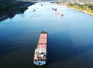 العثور على «جثة قبطان» السفينة الغارقة قبالة الساحل التركي