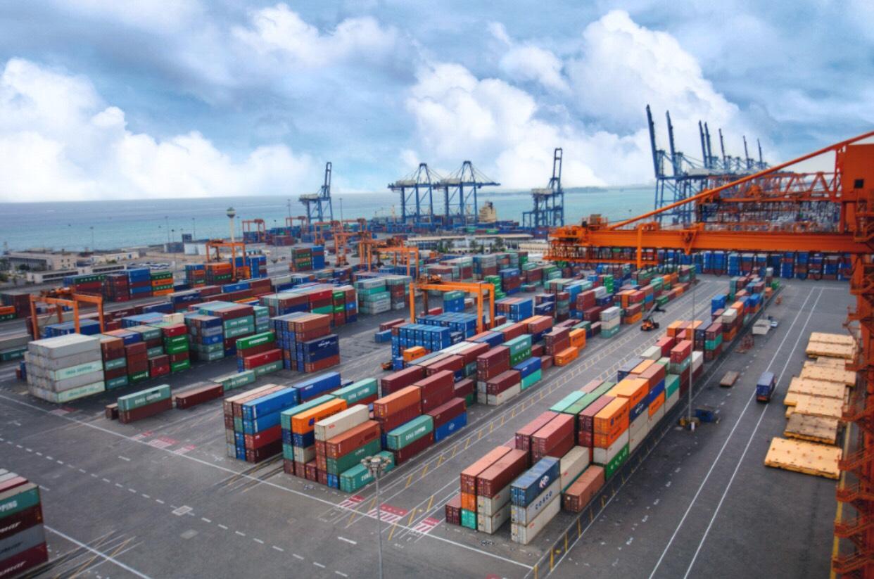 السعودية.. استئناف حركة التجارة مع دولة قطر