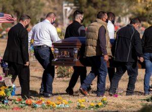 البيت الأبيض يتوقع وصول وفيات كورونا في البلاد إلى «نصف مليون» في فبراير