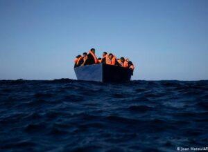 غرق 43 شخصاً قبالة السواحل الليبية وهم يحاولون العبور باتجاه أوروبا