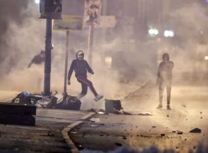 الداخلية التونسية.. إيقاف 632 شخصا متورطين في «أعمال تخريب»