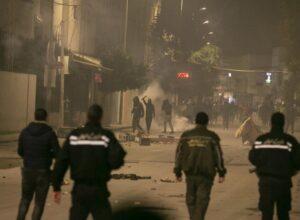 أعمال شغب في باجة التونسية والأمن يتدخل